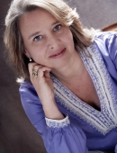 Almudena de Arteaga - Writer -